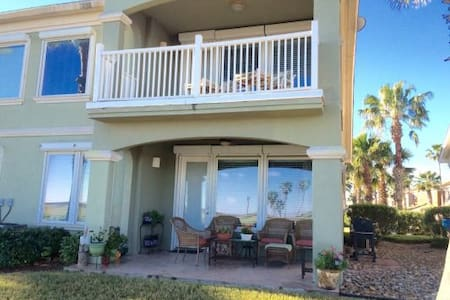 SPI Golf Club Luxury Harbor Town-Home - Laguna Vista - Huis