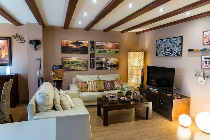Acogedor y exótico hogar con piscina privada.