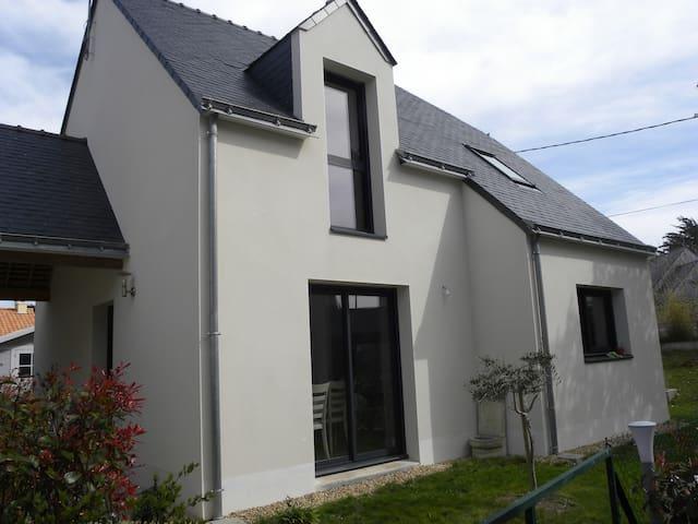 Maison moderne située sur la côte sauvage - Le Pouliguen - Talo