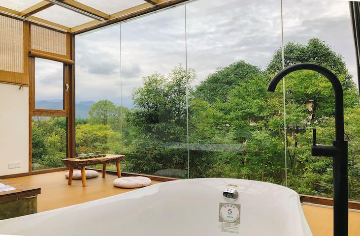 【青城•半间】青城山观山星空地暖别墅酒窖投影