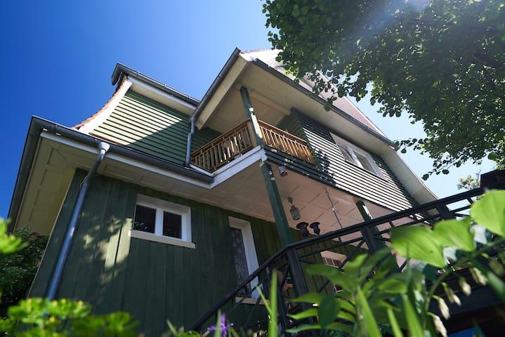 Schönes, gemütliches Balkonzimmer in Salem