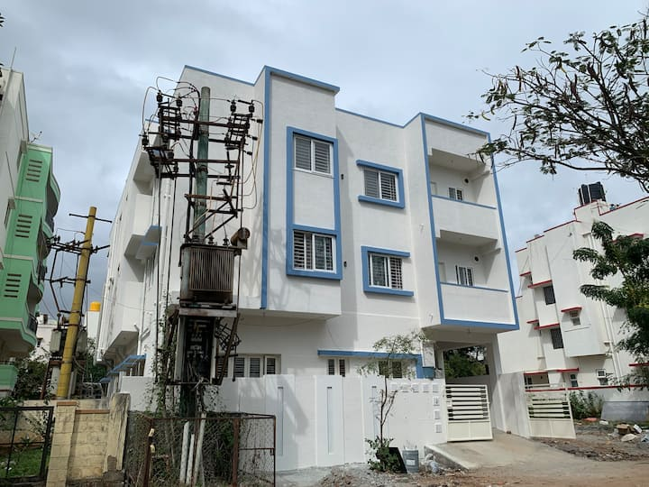 1 BHK studio flat - couple friendly