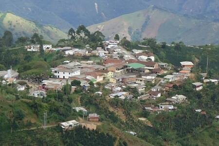 Finca Campesina Sencilla, Ciudad Bolívar Antioquia - San Gregorio - Hus