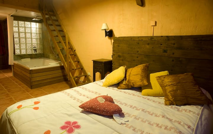 Casa con encanto con Jacuzzi privado- La  Amapola