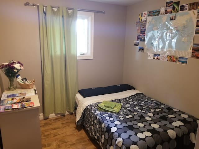 Travelers Room - 20 Mins to YHZ Halifax Airport