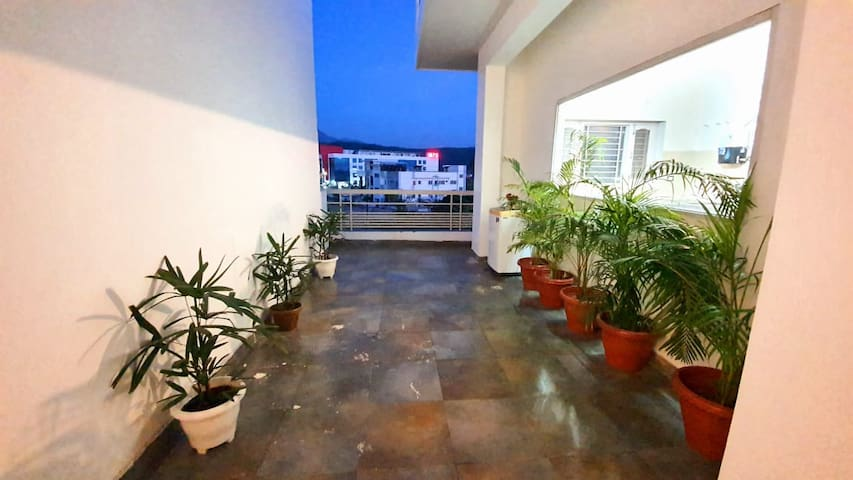 Newly renovated bright and spacious with hill view