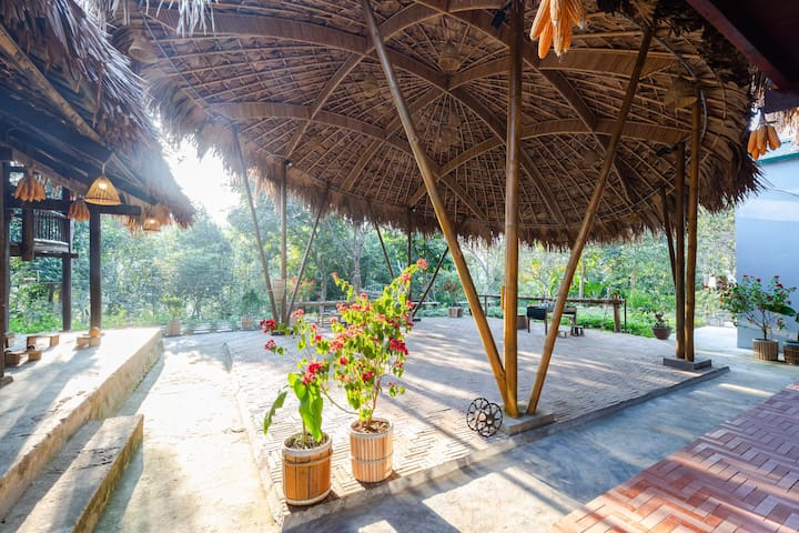 The Hill Opera Homestay  Luxury Boutique