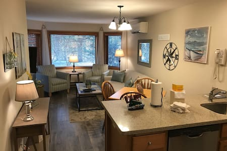 Relaxing 1 Bedroom 1 Bathroom Condo with View - Egg Harbor