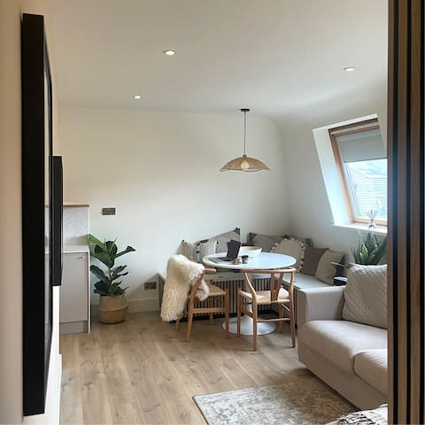Swanage Beach Place Family Apartment   Parking