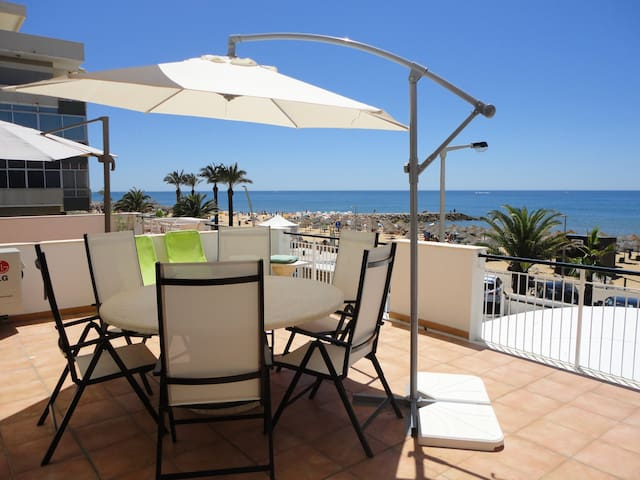 T2 Sea front Quarteira Algarve. 30 m2 terrace - Quarteira - Pis