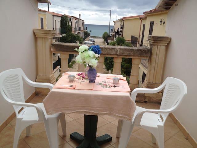 Bufalino Home  a 80mt dal mare - Lido di Noto - Byt
