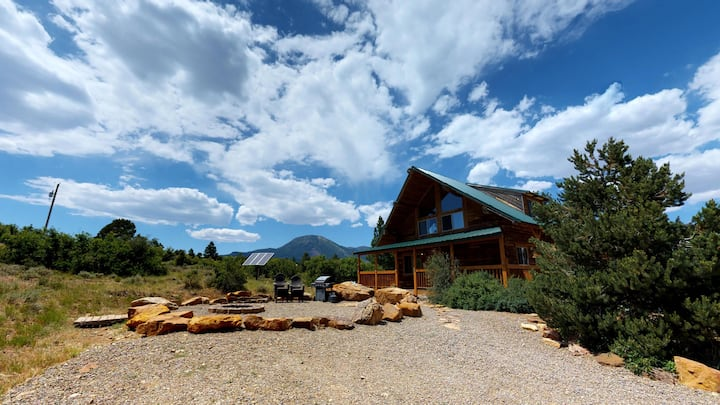 Large Groups up 70!  Guest Ranch, Lodges, Cabins, BBQ, Campfire, Dining Pavilion, Forest Setting