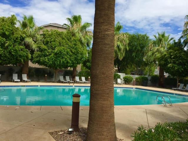 BRAND NEW ROOM7 MINS PHX AIRPORT (NO CLEANING FEE)
