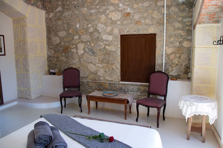 Private  Room external of Villa - Pool/View