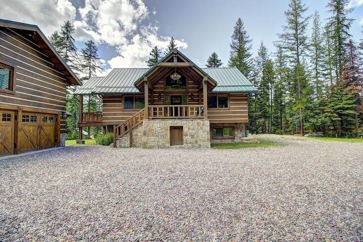 Modern Ski & Summer Recreation Mountain Cabins