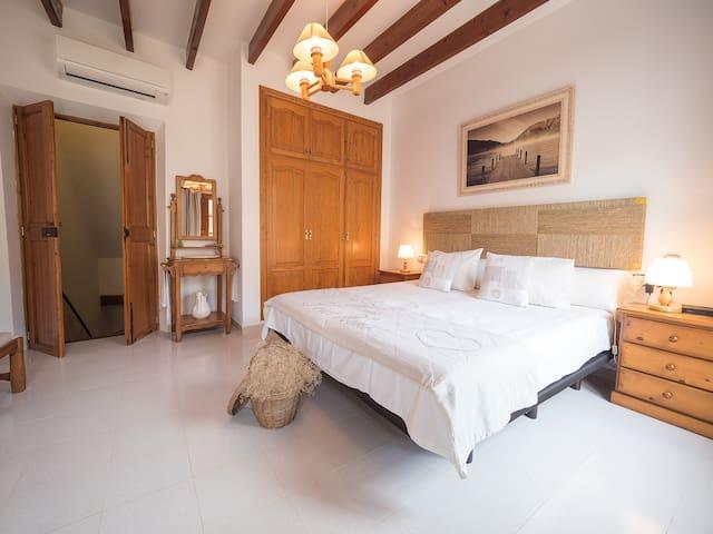 Es Carreró  Típica casa de pueblo - Santa Margalida - House