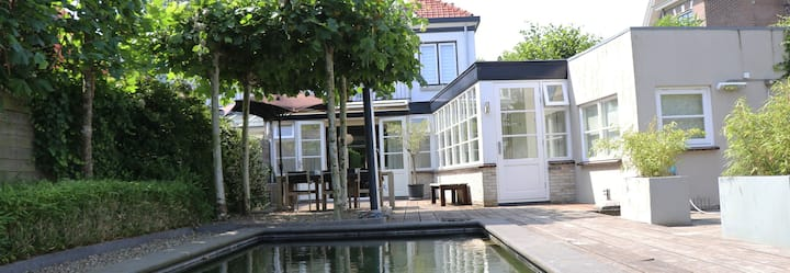 Familyhouse (pool), between Amsterdam & Beach