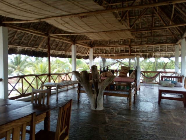 Swahili rooms with rooftop view - Gede - B&B