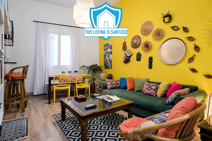 ★ 3-Bedroom Bohemian Library Apt in Gemmayze