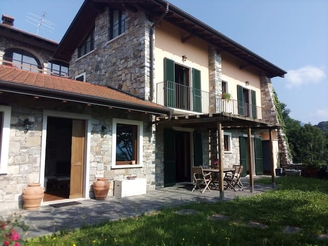 Orta Lake - Beautiful Villa, 10 pax, with garden