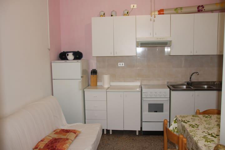APPARTAMENTO PER 5 PERSONE a 200 mt. DAL MARE - Punta Marina - Apartment