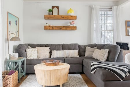 Explore Downtown Charleston from a Cozy Apartment