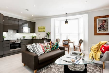Chic apartment with sea views - Hastings - Apartment