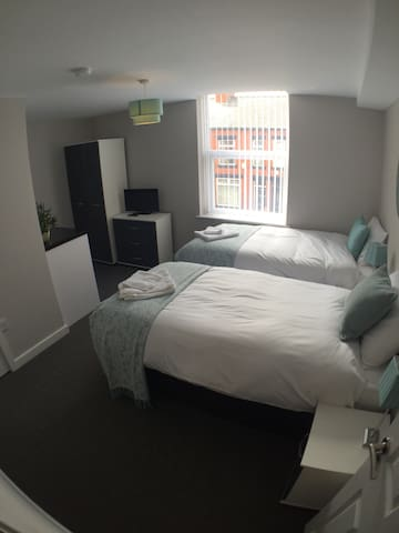 BEDS 4 BUILDERS @ M60 Flexi Stay - Chadderton