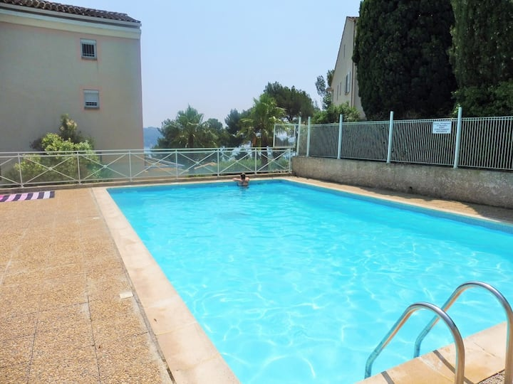 Sea View, garden with barbecue, swimming pool
