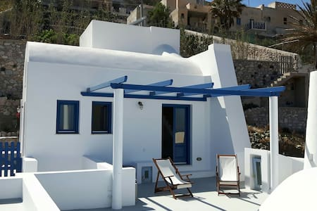 House with three terraces overlooking Aegean Sea - Pyrgos Kallistis - Huis