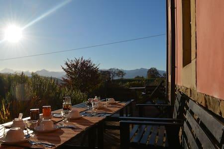 Casona Fuentes del Sueve - Huentes,Pilona - ที่พักพร้อมอาหารเช้า