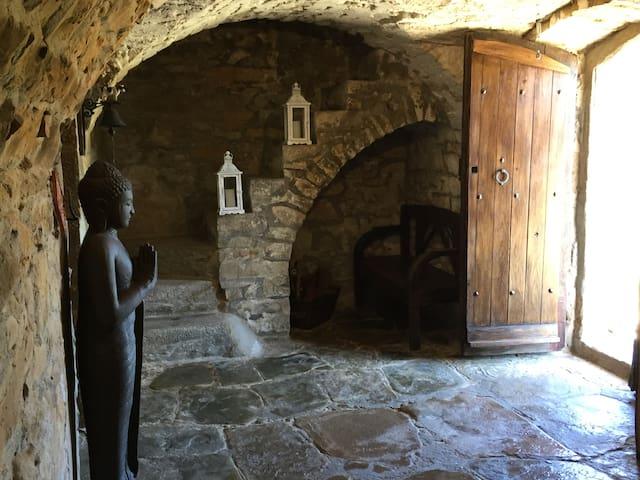 CAN MUSSOL, MASIA SIGLO XIII JUNTO A MONTSERRAT - Sant Vicenç de Castellet