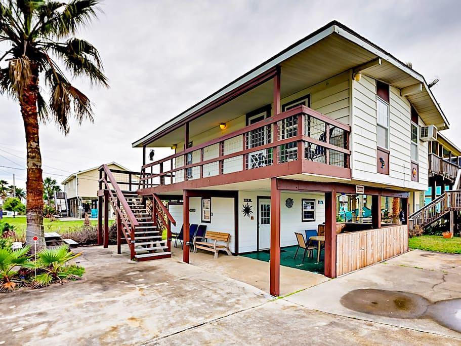 Welcome to Galveston! This charming home is professionally managed by TurnKey Vacation Rentals.