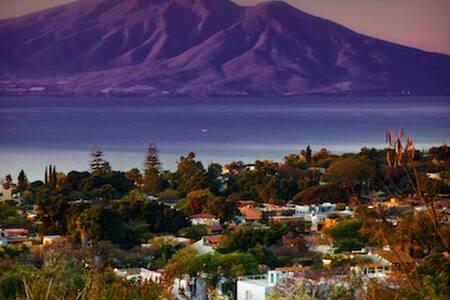 180 Degree Head-On Lake Chapala Views near Ajijic - San Antonio Tlayacapan - Ház