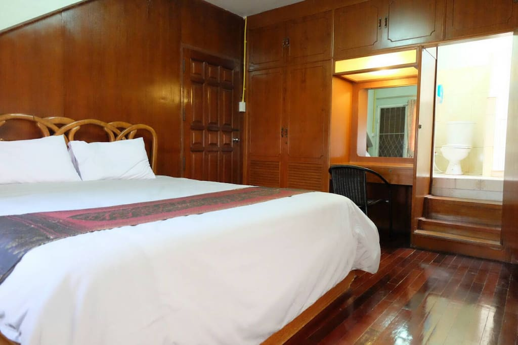 Rm1 king size bed