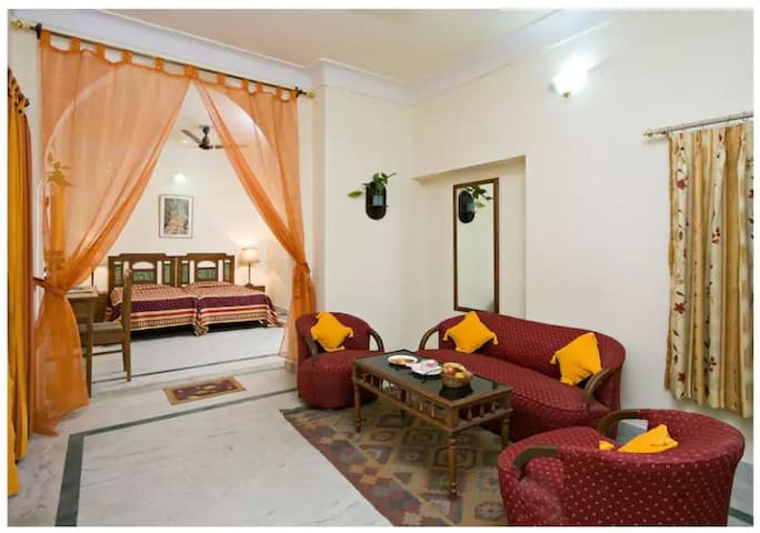 Chirmi Palace ( Chomu House) BR4 Twinbeds