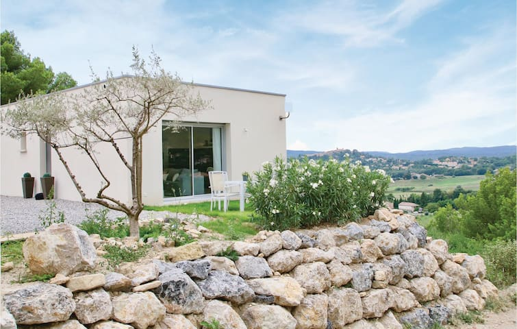 Holiday apartment with 1 bedroom on 41m² in Manosque