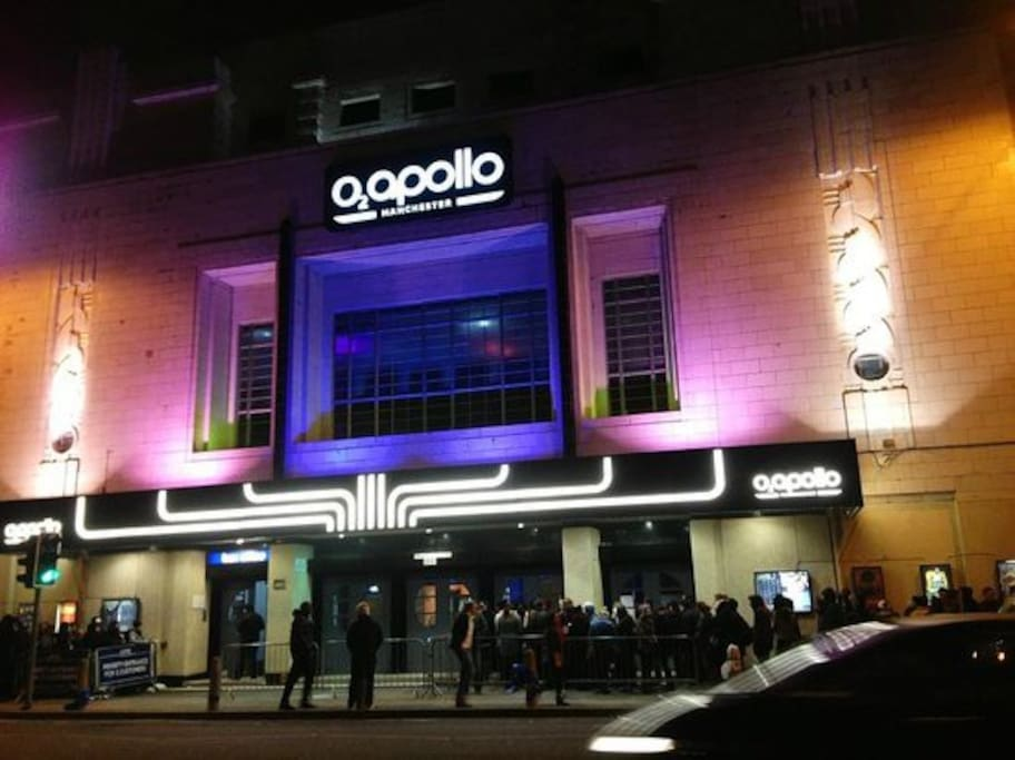 Walking distance to the O2 Apollo - where many famous artists have preformed
