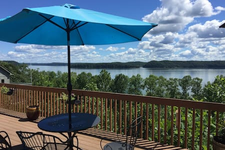 2 BR Suite waterfront Lake Monroe w/Canoe avail. - Bloomington - Lain-lain