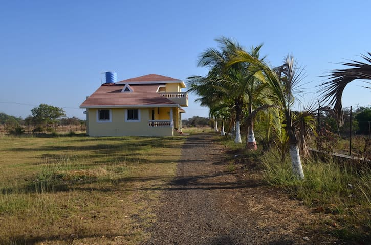 Cute & cozy Alibag house only for families - Alibag - Huis
