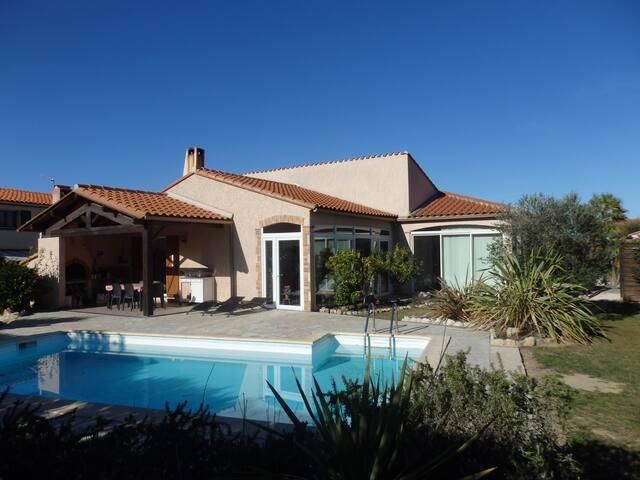 Villa climatisée et Piscine privative prox Argeles