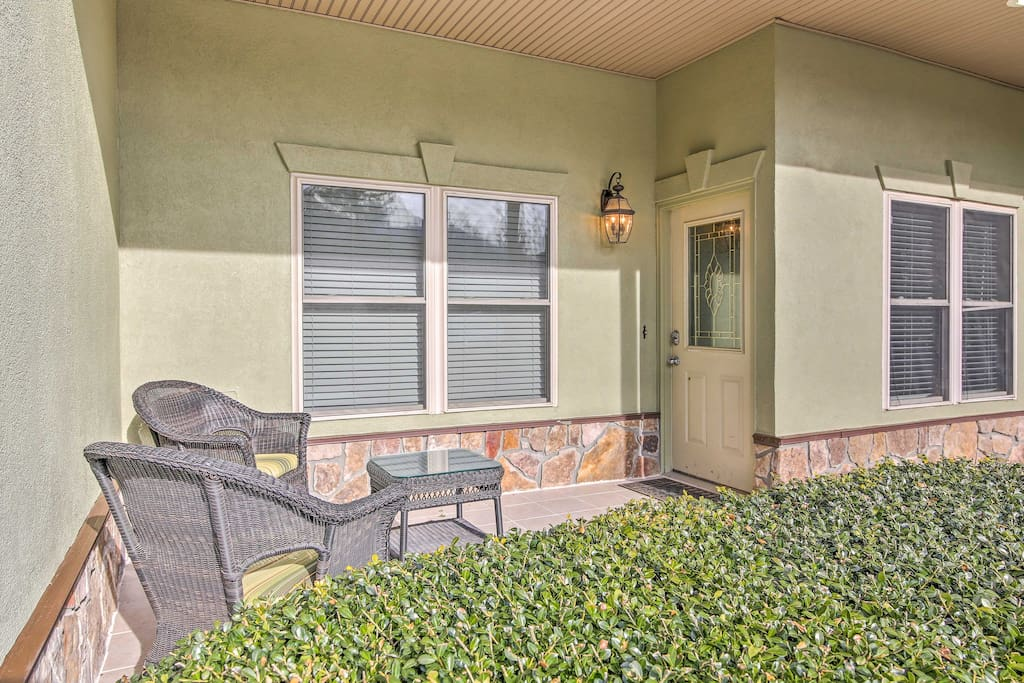 Lounge on your private patio, walk to the community pool or Lake Chatuge for endless vacation fun!