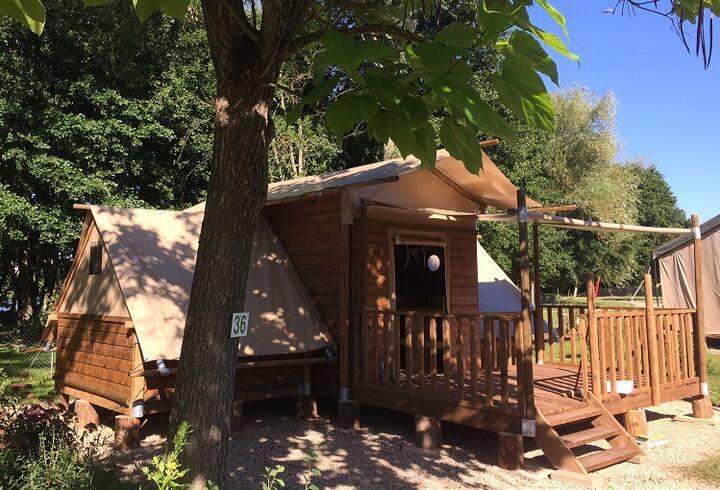 Tente Lodge TRIBU - 4/5 pers 10 mn Plomb du Cantal