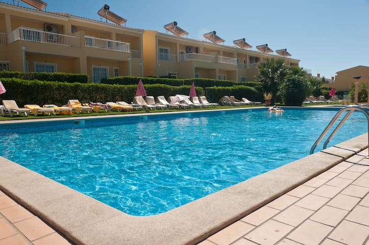 Two Bedroom Apartment w/ pool view - Pêra - Daire