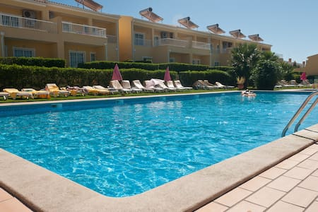 Two Bedroom Apartment w/ pool view - Pêra - Leilighet