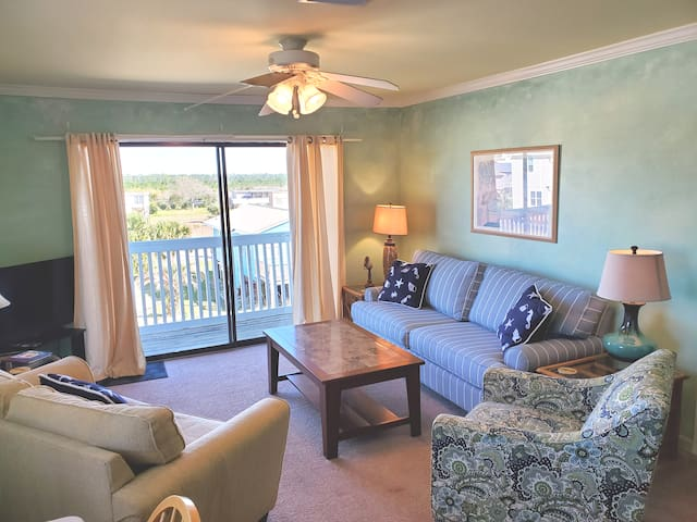 GWB5 * Close to Everything 2BR/1BA * Cheerful