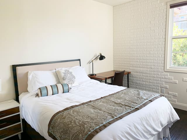 Luxury Private Room⭐️Queen Bed for Business Travel