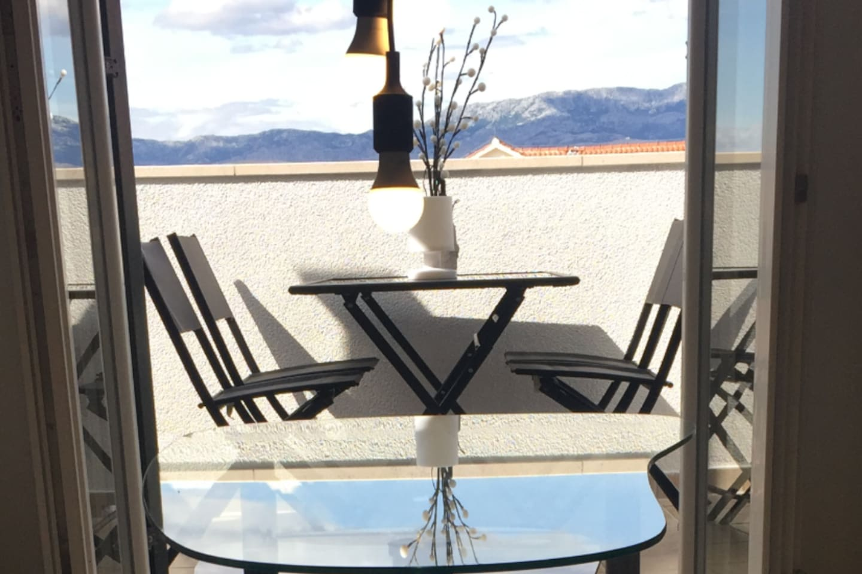 Take a peek and hopefully enjoy... relaxing on a lovely balcony...