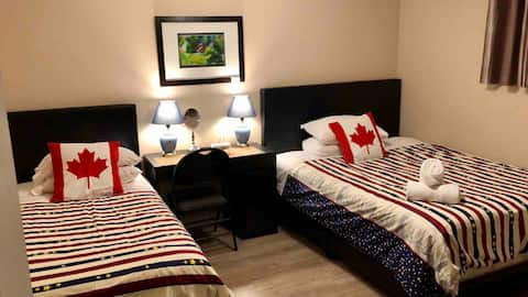 Room A, Airport 9 min, Superstore Cross, New Clean