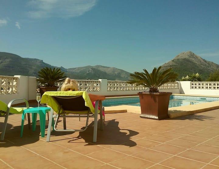 La Perla Blanca- relax in stunning mountain views